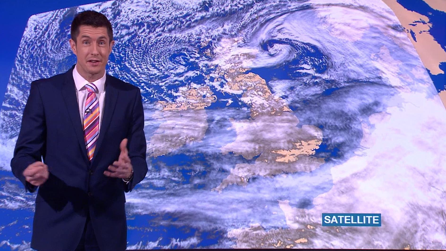 Chris Fawkes - BBC Weather Presenter (7)