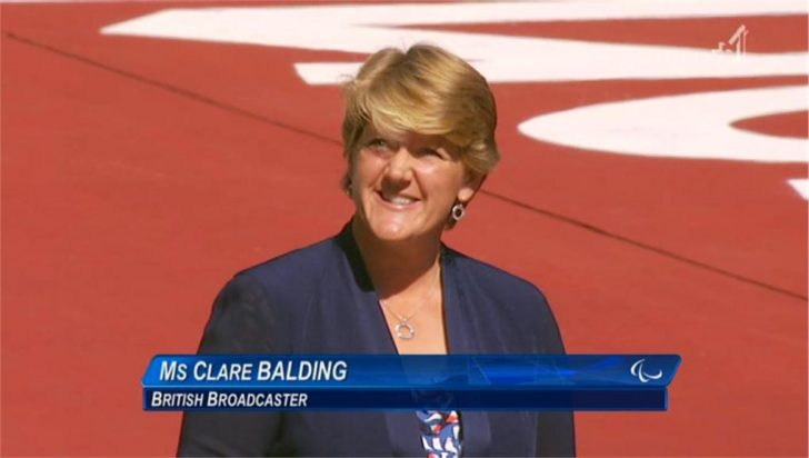 Video: Clare Balding receives great reception from Olympic stadium during medal ceremony